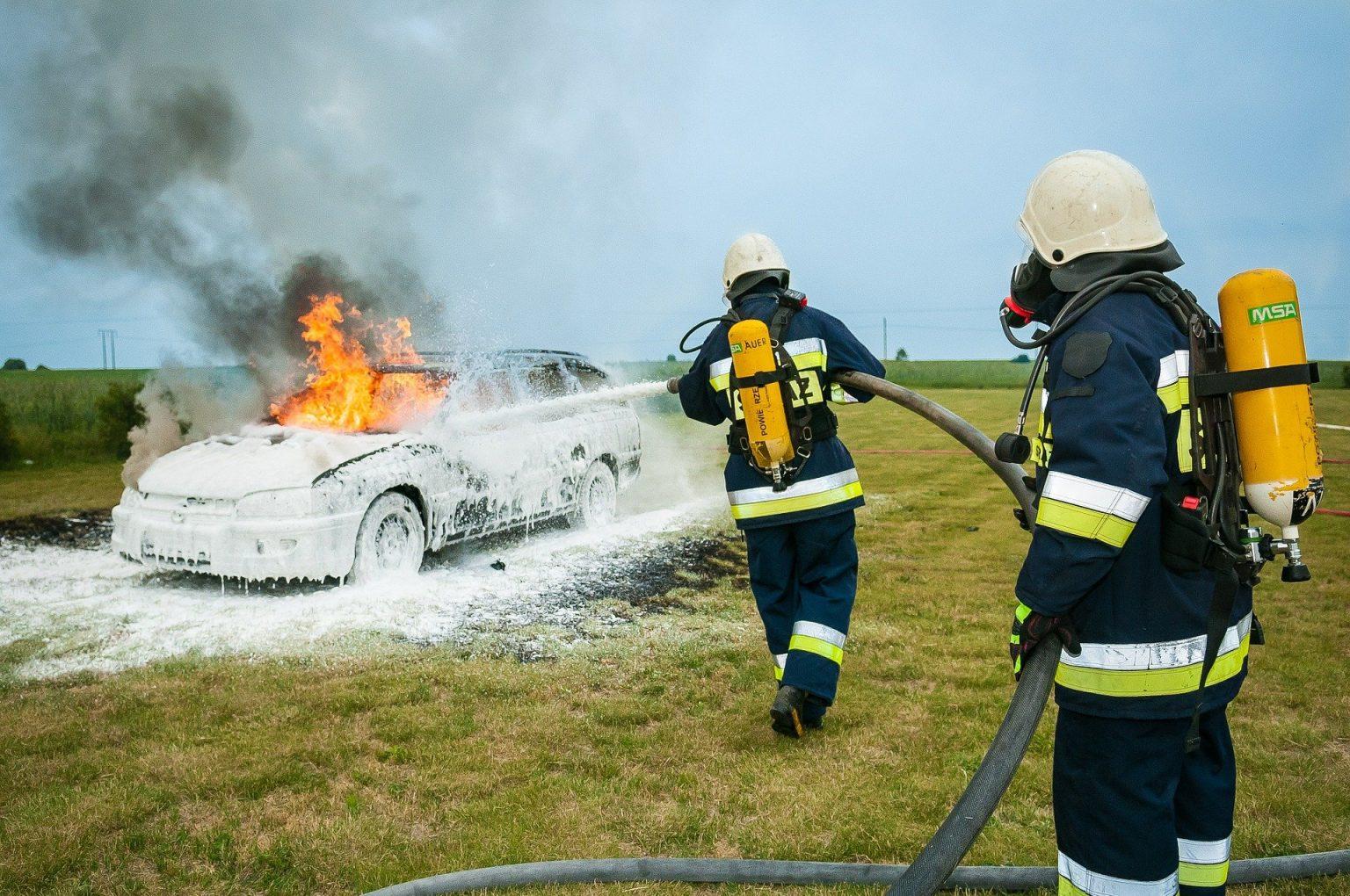 firefighter-484540_1920